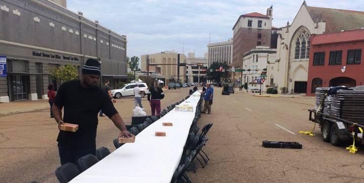 Dine on the Line 2015 - Set Up - Maint Street Texarkana